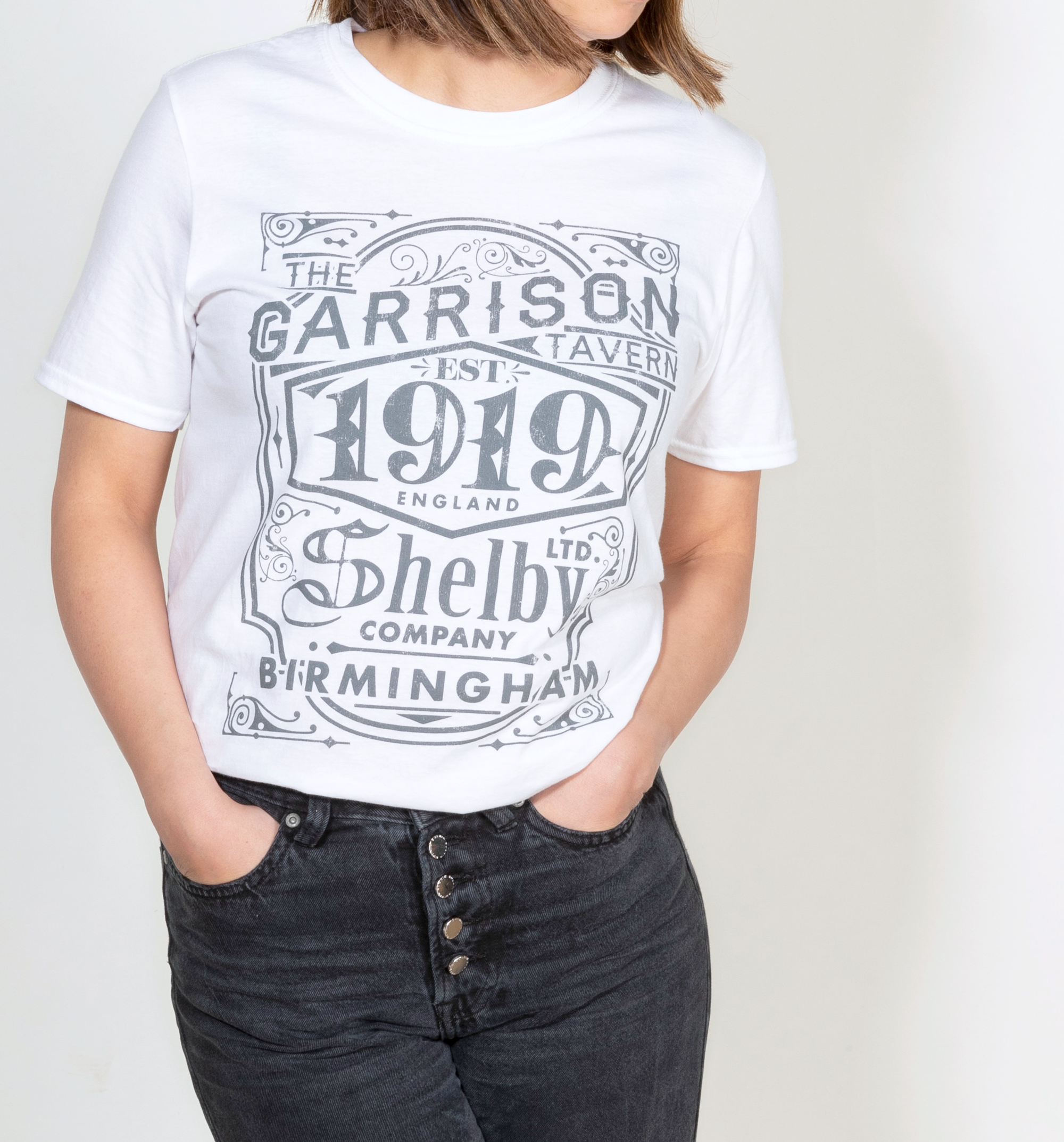 b888b598679c Women's White Peaky Blinders Garrison Pub Oversized T-Shirt - Made from  100% pre-shrunk, ringspun cotton for added softness - Soft feel, lightweight  tee ...